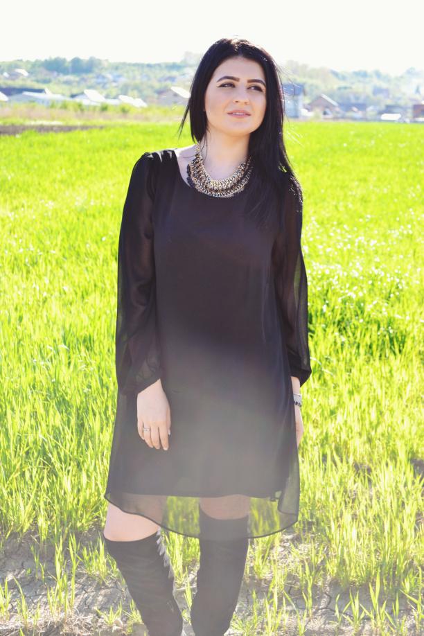 little black dress un must have. Black Bedroom Furniture Sets. Home Design Ideas